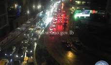 حركة المرور كثيفة من برج المر باتجاه سليم سلام حتى المدينة الرياضية