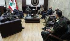 قائد الجيش استقبل سفير المغرب وتباحث بسبل التعاون بين جيشي البلدين