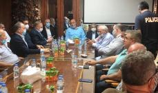 اجتماع ببلدية الجية لبحث اشكالات الشاطىء:تمسك بعلاقات قرى الإقليم الطيبة