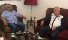 سعد التقى الصحافي محمد صالح واطلع منه على ملابسات توقيفه باليونان
