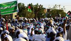 قوى التغيير والمجلس الانتقالي يوقعان على الاتفاق الانتقالي في السودان