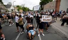 احتجاجات في أميركا بسبب قتل شرطي لرجل أسود خنقا بولاية مينيسوتا