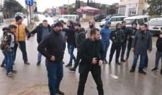 النشرة: اعتصام رمزي على الطريق الدولية عند مفرق شعث لايجاد بديل عن ازالة المطبات