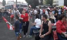 اشكال بين المتظاهرين في الشيفروليه ومواطنين يرفضون قطع الطريق