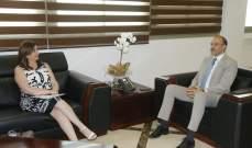 وزير الصحة تابع موضوع استيراد الأجهزة والمعدات الطبية