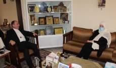 الحريري اطلعت من المطران حداد على أزمة مدارس الأبرشيات
