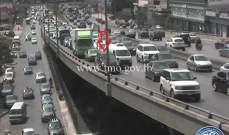 التحكم المروري: تعطل مركبة على جسر الدورة وحركة المرور كثيفة