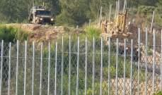 النشرة: دوريات اسرائيلية تمشط الحدود بمحاذاة السياج لتفقد اجهزة المراقبة والكاميرات