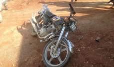 النشرة: جريح بحادث سير بين سيارة ودراجة نارية في مجدل عنجر