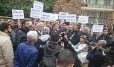 النشرة:اهالي الموقوفين الاسلاميين بدأوا اعتصامهم امام سرايا طرابلس