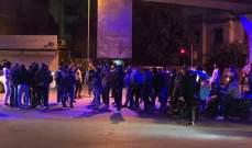 تجمعات في مناطق مختلفة احتجاجاً على انقطاع الخبز وقرار اضراب الأفران