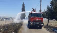 الدفاع المدني يخمد حريقاً اندلع بأراض عشبية يابسة في ببنين العكارية