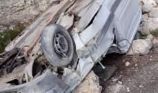 النشرة: جريح نتيجة انحراف سيارة من نوع رابيد وانقلابها في بلدة ايزال في الضنية