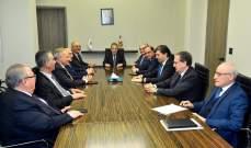 وزير المال شدد على عدم المس بالودائع وحث جمعية المصارف على خفض الفوائد