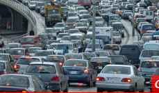 تعطل شاحنة على اوتوستراد خلدة باتجاه بيروت وحركة المرور كثيفة