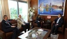 إبراهيم التقى ديكارلو وعرض معها تطورات المنطقة والنزوح والتعاون مع اليونيفيل