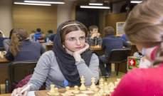 الاتحاد الإيراني فصل لاعبة شطرنج لخلعها الحجاب
