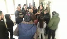 النشرة: محتجون دخلوا الى مؤسسة كهرباء لبنان بحاصبيا احتجاجا على قطع بعض الخطوط
