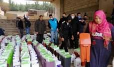 """الامم المتحدة وبلدية صيدا توزعان مواد """"التنظيف والتعقيم"""" على النازحين السوريين"""