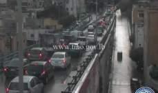 التحكم المروري: حركة المرور كثيفة من جسر البيجو باتجاه الاشرفية