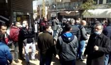 النشرة: تجار صيدا نظموا وقفة احتجاجية للمطالبة بالسماح لهم بفتح محالهم