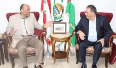 عبد الهادي يستقبل السفير الفلسطيني في لبنان ويبحث معه مستجدات القضية الفلسطينية