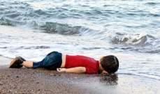 تشييع الطفل السوري الذي غرق في المياه التركية في مدينته كوباني