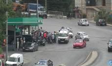 جريح نتيجة تصادم بين مركبة ودراجة نارية في الفوار باتجاه ساحة انطلياس