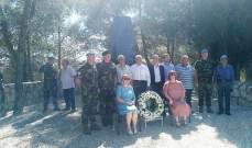 الكتيبة الإيرلندية باليونيفيل أحيت ذكرى شهدائها في الجنوب بوضع إكليل زهر على النصب التذكاري
