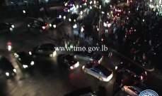 تجمع عدد من المواطنين عند تقاطع الشفروليه وحركة المرور كثيفة في المحلة
