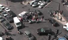 جريح بحالة حرجة نتيجة تصادم بين سيارة ودراجة نارية على تقاطع الشيفروليه