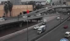 التحكم المروري: تعطل مركبة على محول نهر الموت
