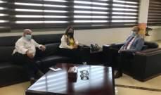 وزير الصحة عرض مع قائمقام جبيل لدور السلطات المحلية بمواكبة خطة التلقيح