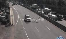 حركة المرور كثيفة من اليرزة باتجاه الجمهور بسبب اشغال في المحلة