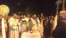الشوير استقبلت شعلة النور المقدس واحتفلت برتبة الهجمة بطوائفها الثلاث