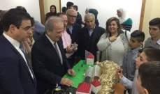 حماده اطلع على معرض أشغال التكنولوجيا الرقمية وأشاد بإبداع تلامذة الرسمية