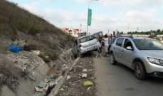النشرة: جريح في حادث سير مزدوج على اوتوستراد السكسكية