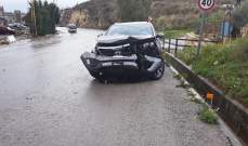 الدفاع المدني: تأمين سلامة المارة على طريق عام حبوب اثر تسرب البنزين والزيت