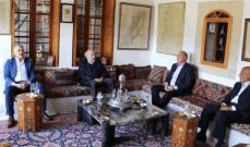 جنبلاط التقى السفير الروسي وعرض معه الأوضاع السياسية العامة