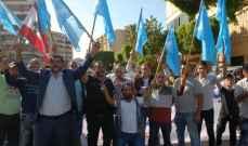 بدء الاحتفالات الشعبية بتكليف الحريري تشكيل الحكومة في طرابلس وتعانيل