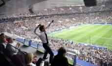 ماكرون يرقص بغرفة ملابس لاعبي المنتخب الفرنسي على طريقة بوغبا