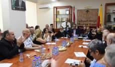 اللجنة الثقافية في الرابطة السريانية كرمت أحدت أساتذة اللغة السريانية