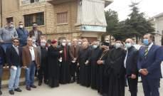 جمعة خلال وقفة احتجاجا على سرقة أبواب مدافن رياق: لعدم استباق الأمور وتخويف الناس