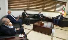 نقابة مستوردي الدواء تطالب بعد لقائها حسن بمباشرة المصرف المركزي إصدار التحويلات