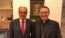 الخازن بحث مع سفير الكرسي الرسولي مساعي الحل في لبنان