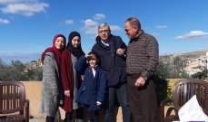 وزير التربية يفاجئ الطفلة أية جابر بزيارة الى منزلها في يانوح قضاء صور