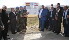 الكتيبة الإسبانية افتتحت مشروع إنارة طريق في بلدة الماري