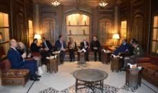 الصراف بمأدبة عشاء في نادي الضباط: لبنان لا ينوي الاعتداء على احد