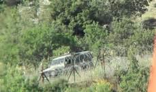 النشرة: قوةاسرائيلية تمشط  الطريقالعسكري المحاذي للجدار العازل والسياج الحدودي