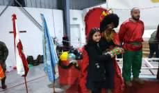 الكتيبة الاسبانية توزع هدايا على الاطفال بيوم ملوك المجوس
